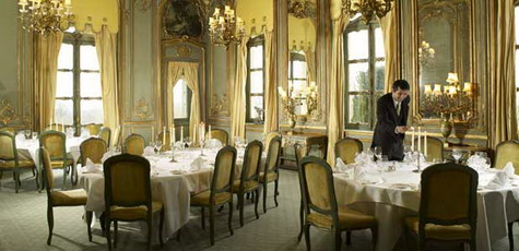 Connika cliveden manor for Restaurant madame nancy